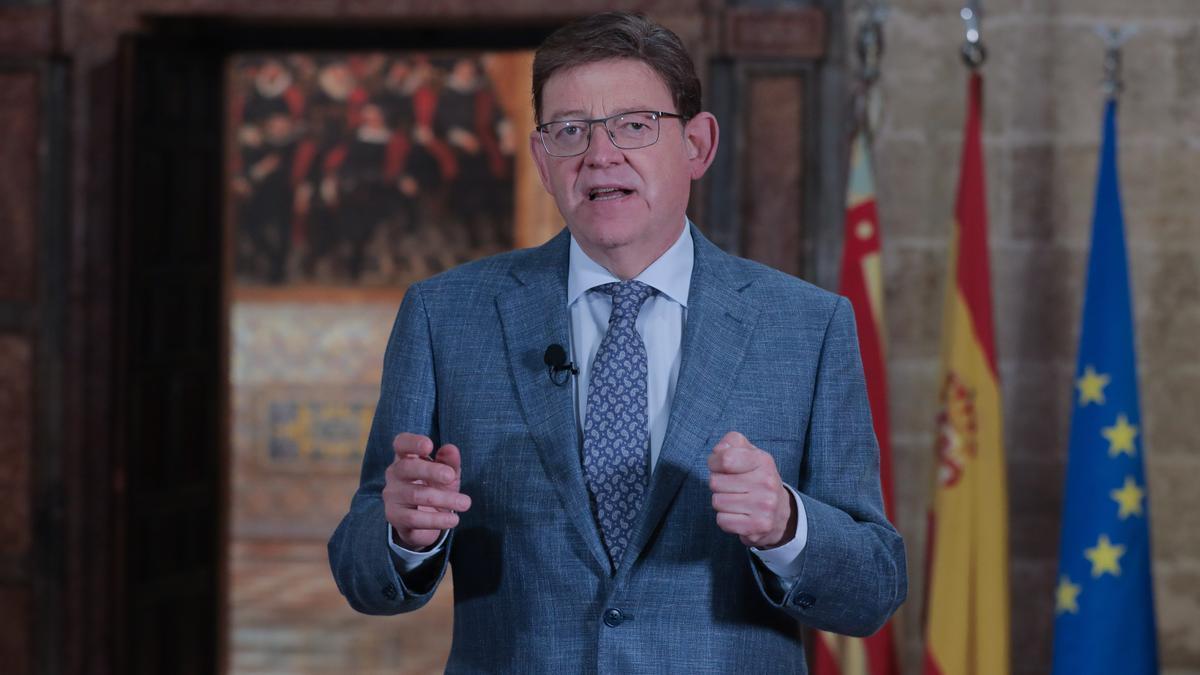 Puig, durante la declaración institucional.