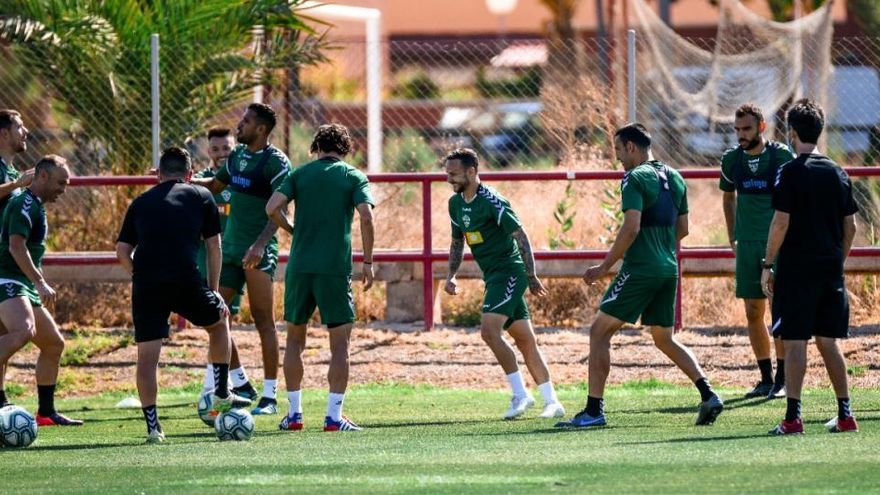 Óscar Gil ya está recuperado y Jonathas se une al grupo