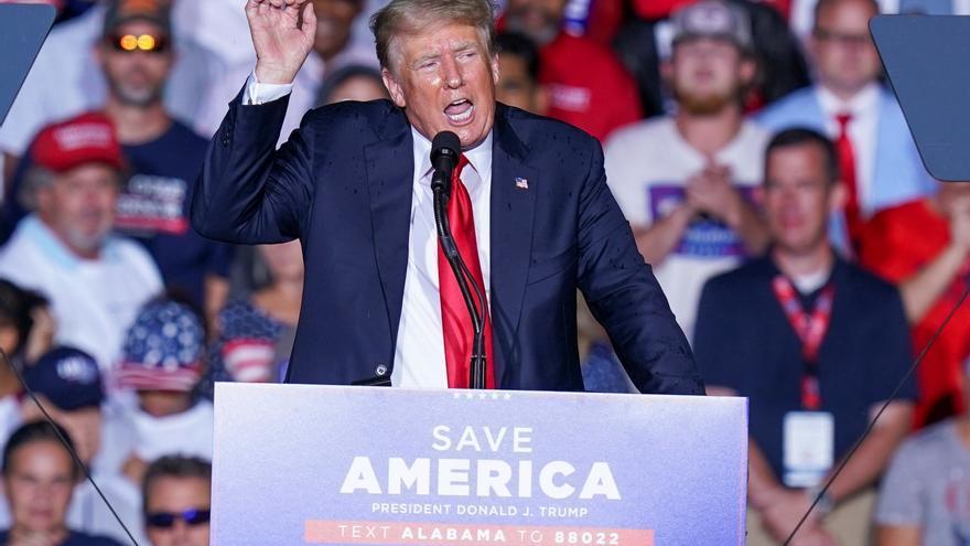 """Trump califica de """"humillación"""" la retirada de las tropas de EEUU en Afganistán"""