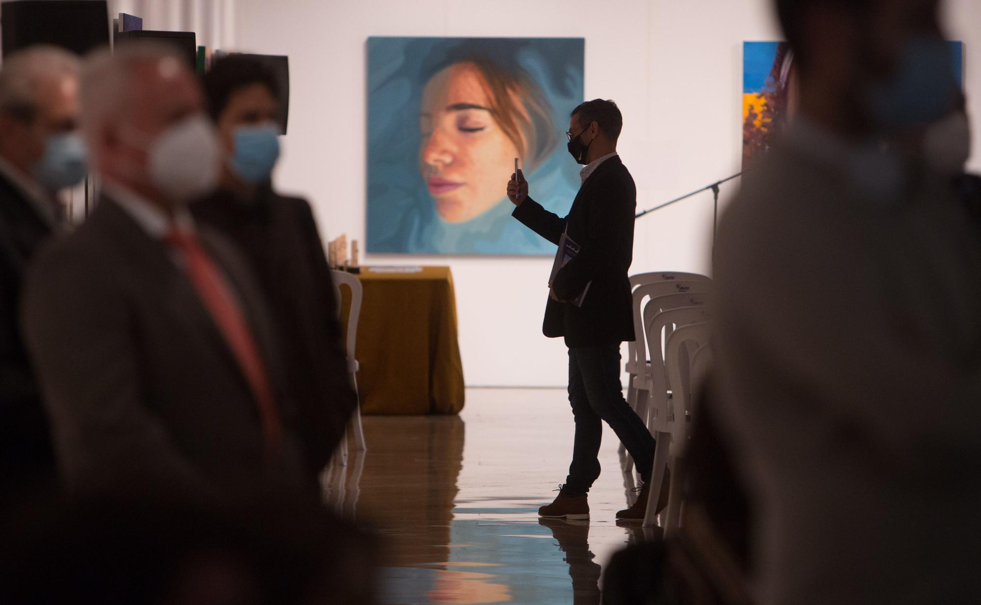 Inauguración de la exposición de los Premios Miradas de la Fundación Alió