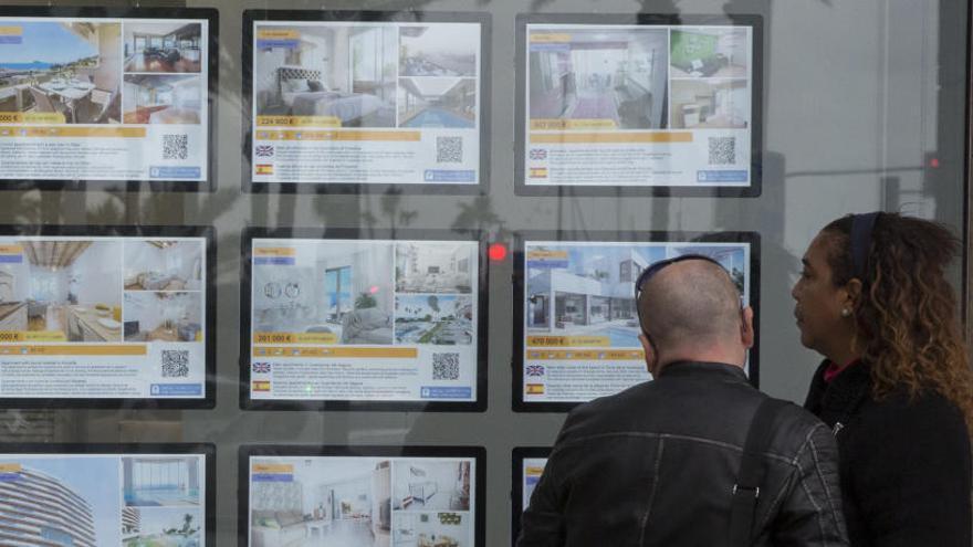 """La inversión en vivienda en Alicante """"pierde impulso"""", según un informe de la Cámara de Comercio"""
