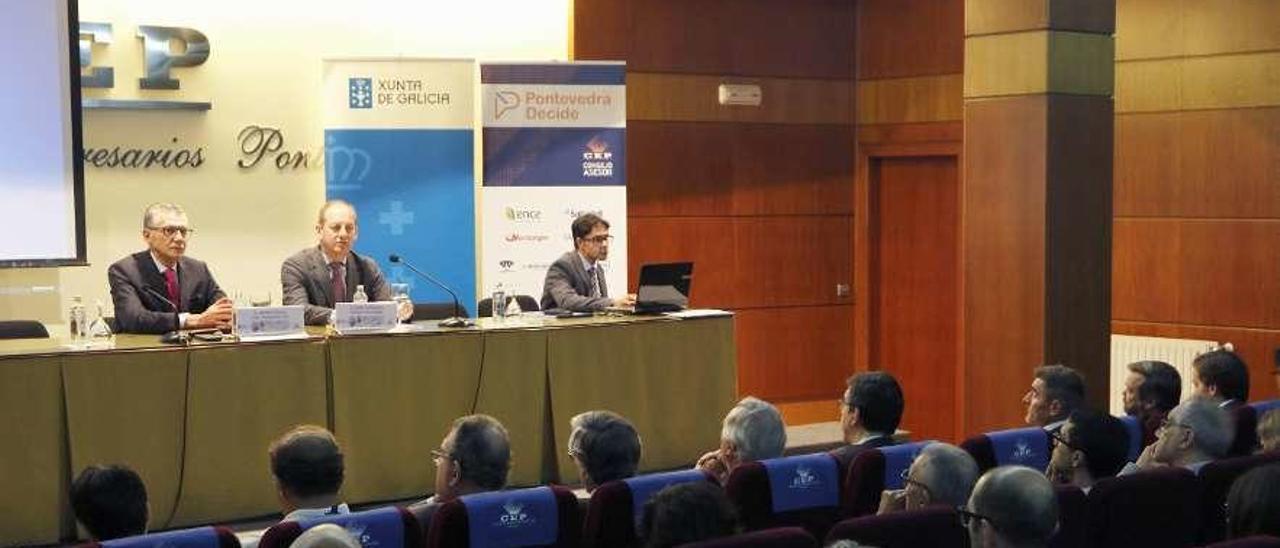 Las jornadas sobre las nuevas relaciones comerciales celebradas ayer en al CEP. // Alba Villar