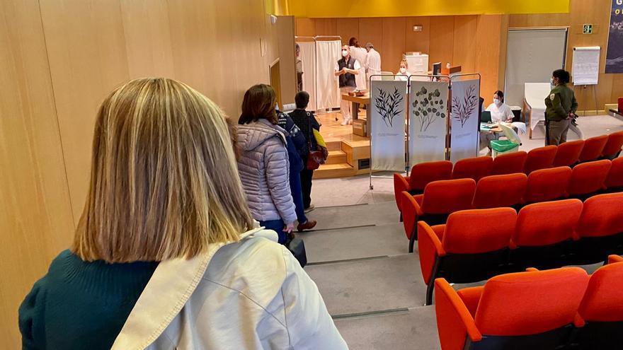 Arranca en Pontevedra la vacunación al personal docente
