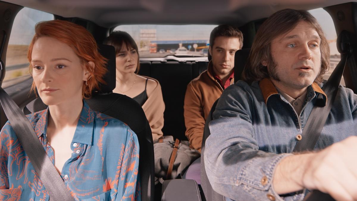 Una imatge del film 'Con quién viajas'