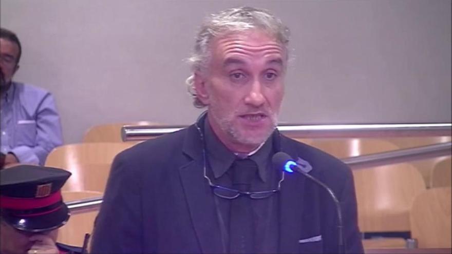 Fernando Blanco utilitza el seu dret d'última paraula: «El que el fiscal demana és condemnar la Nadia»