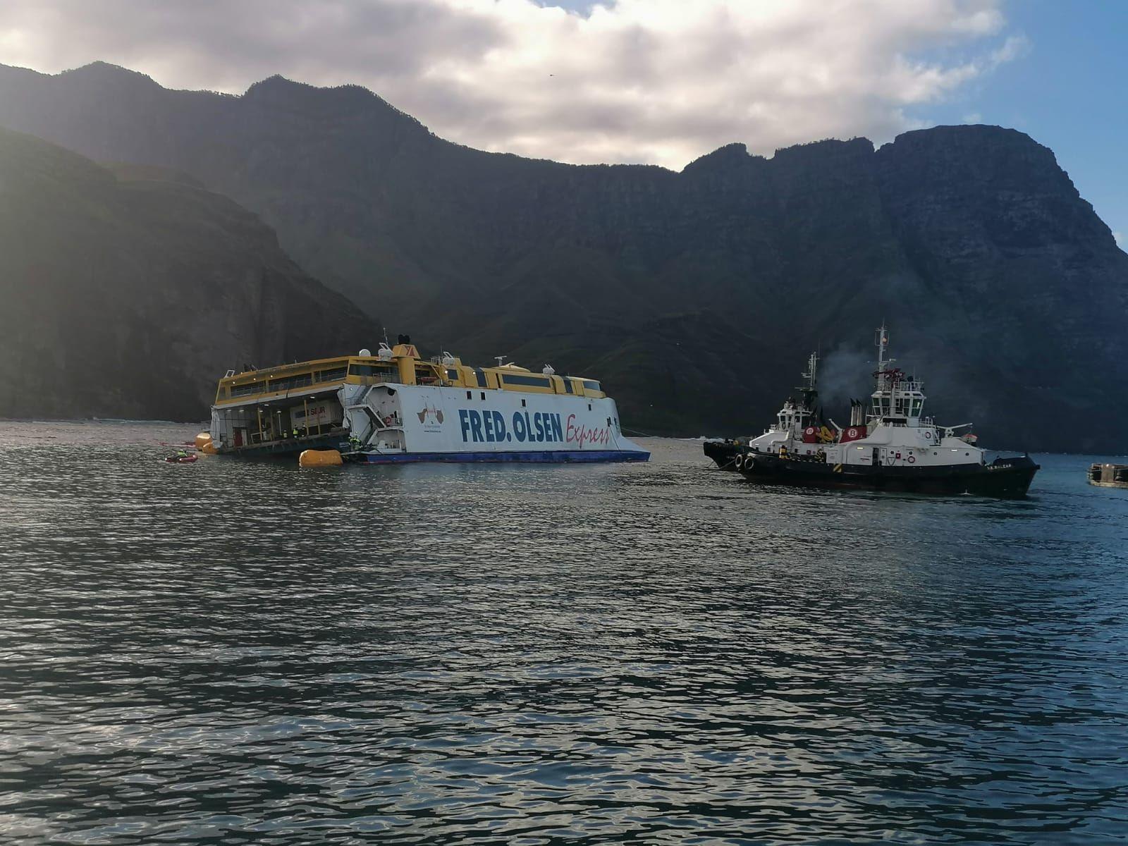 Peligra la flotabilidad del ferry encallado en Agaete