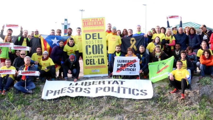 La marxa «Kms per la llibertat» arriba a Estremera i Soto del Real en solidaritat als presos independentistes