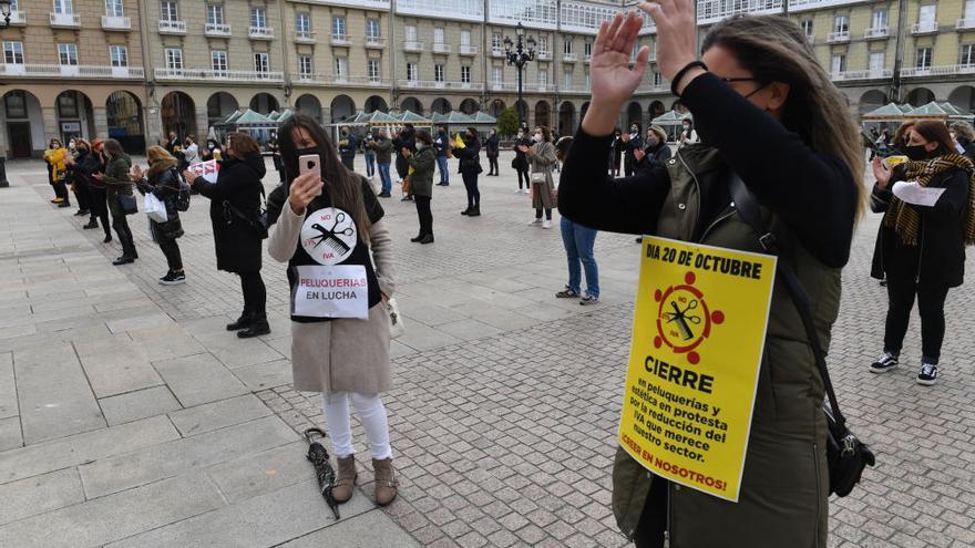 Centros de peluquería y estética protestan por la falta de ayudas