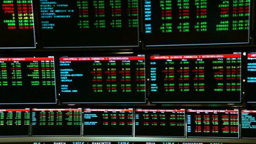 L'Ibex 35 enceta la setmana a l'alça amb un augment del 4% i recupera els 6.800 punts