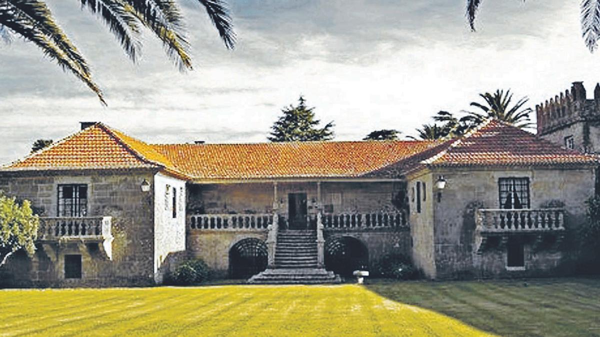 Pazo de Cadaval del siglo XIV, situado en Grolos, en el concello de Nigrán. |    // CEDIDA EL IDEALISTA