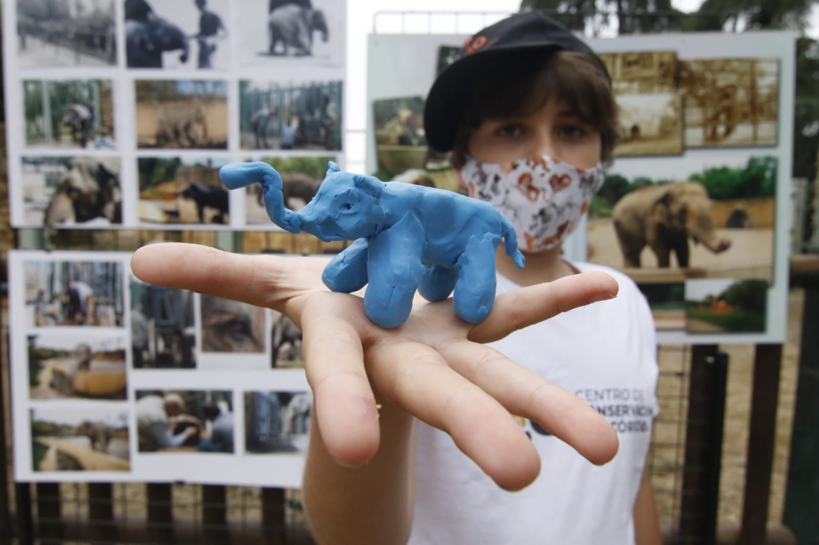Una escultura recuerda a la elefanta Flavia, emblema del Zoo durante décadas