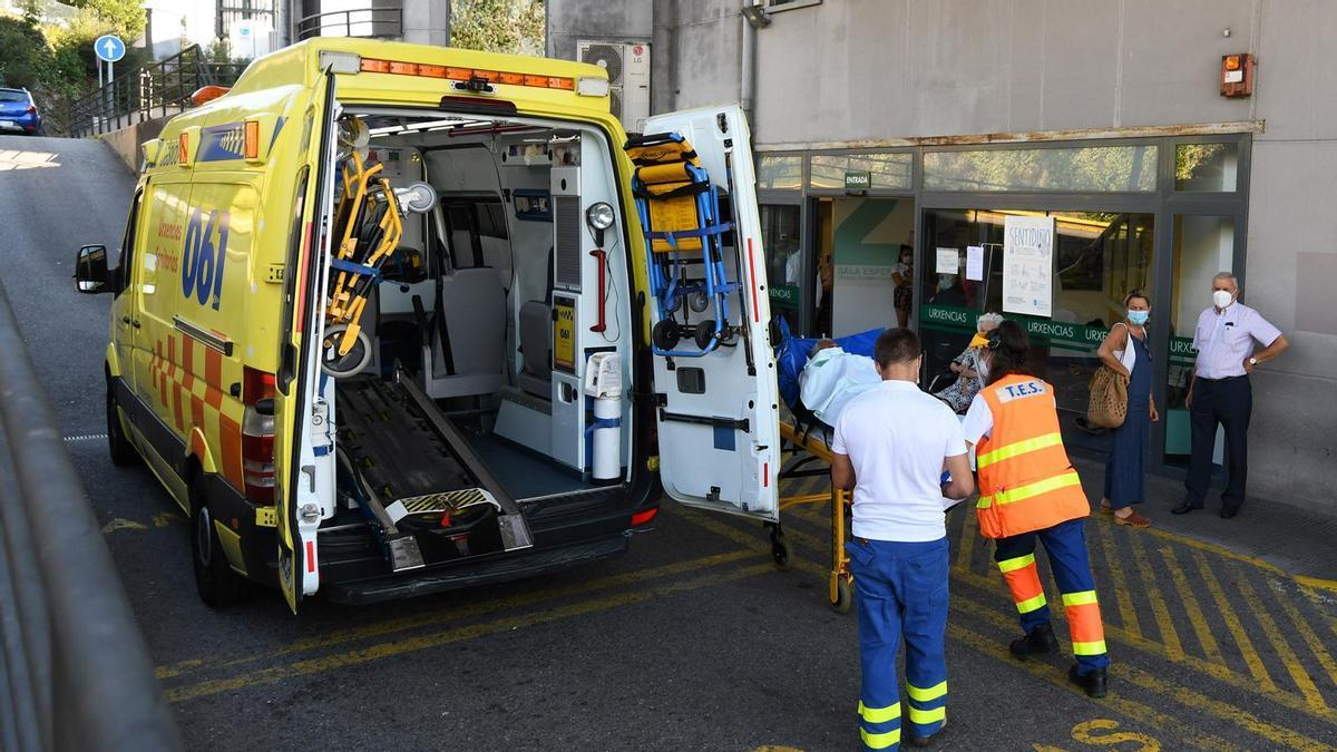 Un enfermo ingresa de urgencia en Montecelo.