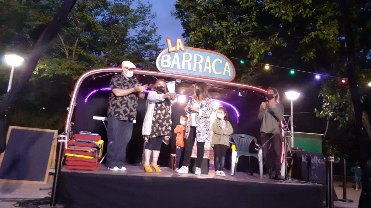 Clausura del festival que premió a la familia Aragón, con la presencia de los hijos del recordado Gaby