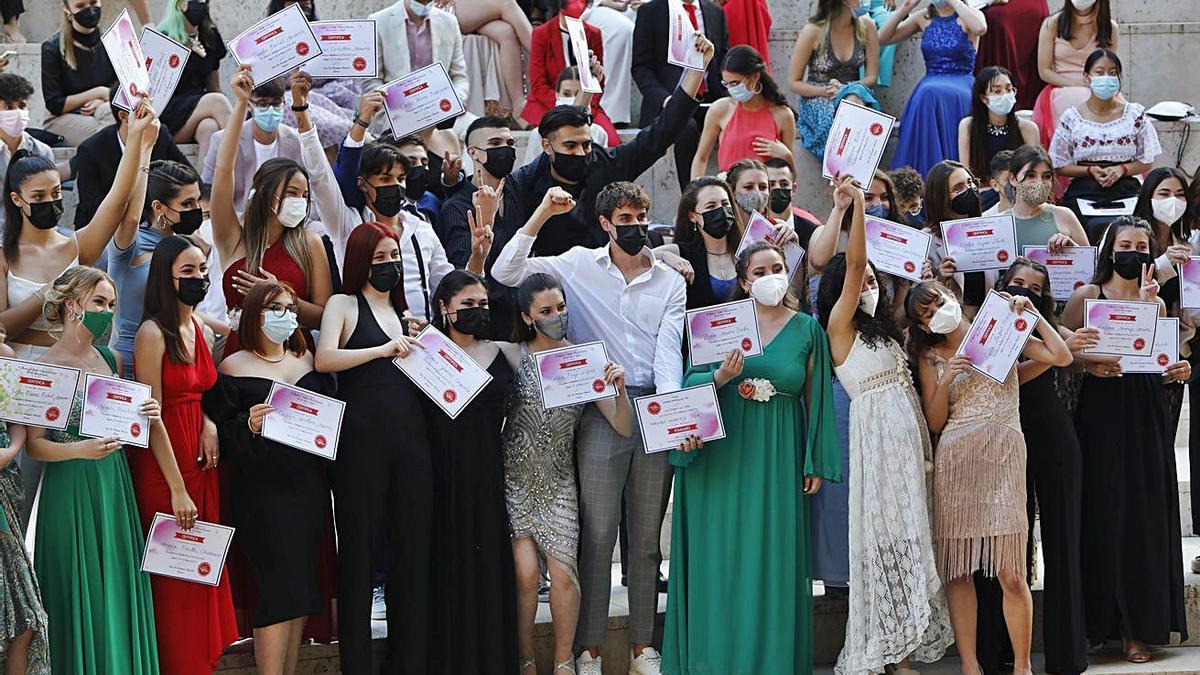 El Teatro Romano vuelve a vestirse de graduación | TORTAJADA