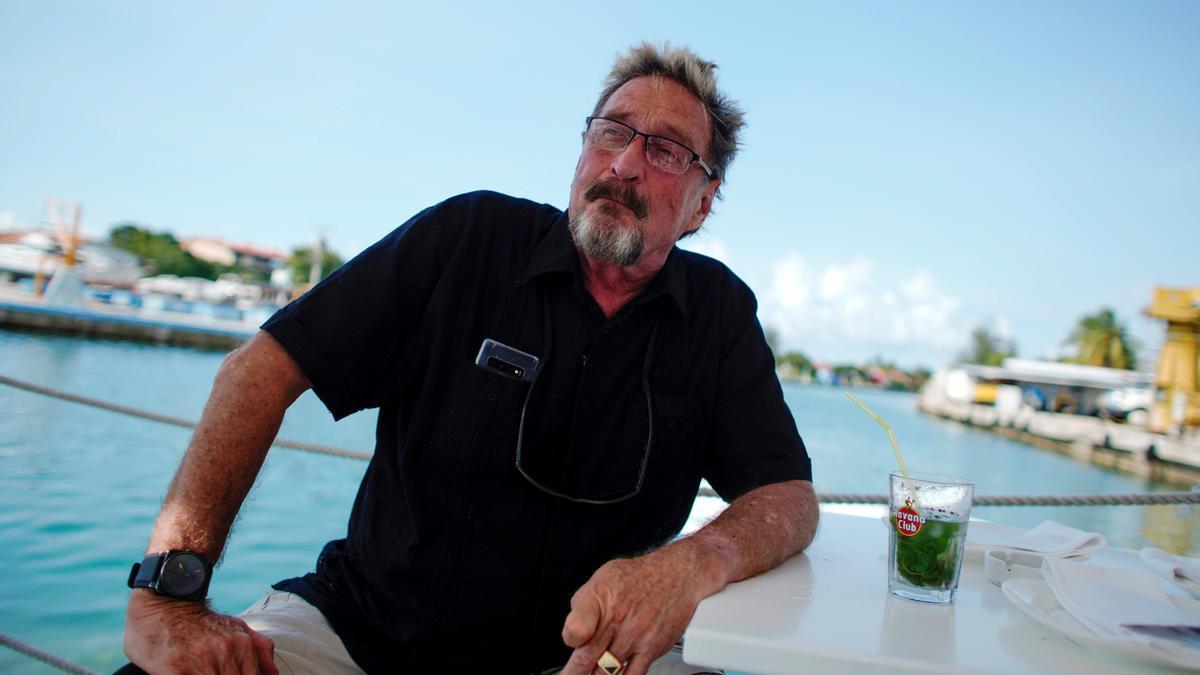 John McAfee, durante una entrevista en La Habana