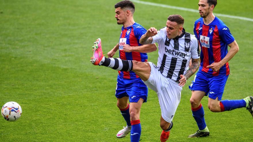 Un gol del Levante deja al Eibar como colista