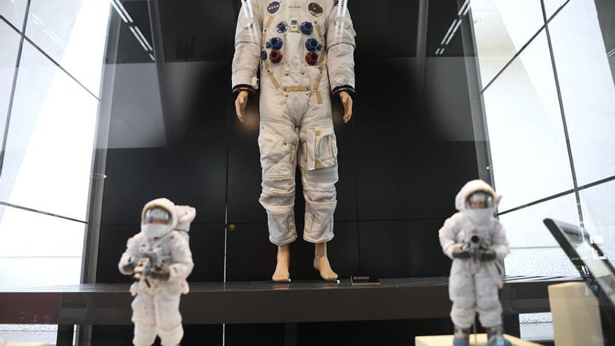 El Museo de las Ciencias trae una réplica del traje espacial de Amstrong