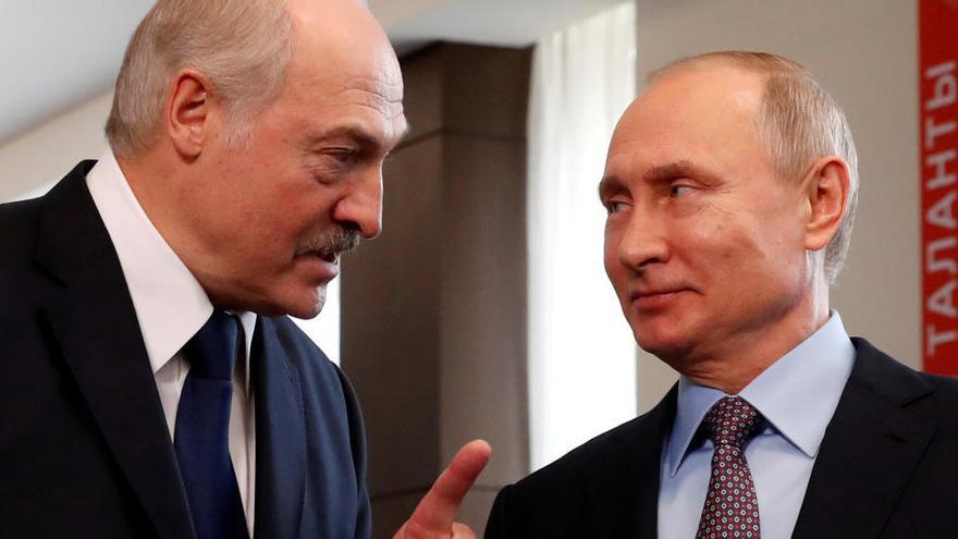 Putin muestra a Lukashenko su apoyo a una reforma constitucional en Bielorrusia