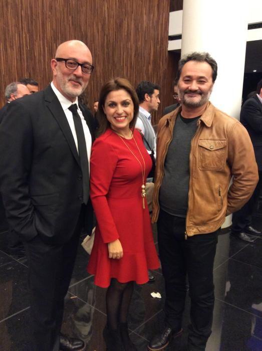 Rogelio Fenoll, jefe de Cultura de INFORMACIÓN; Paz Castelló, escritora y Paco Sanguino, director del Teatro Principal de Alicante