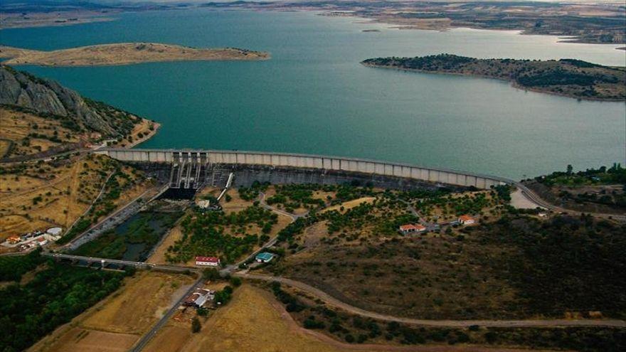 Comienza el proceso para captar agua para Almendralejo desde la presa de Alange