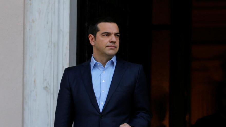 Tsipras convoca una moción de confianza tras romperse la coalición de gobierno