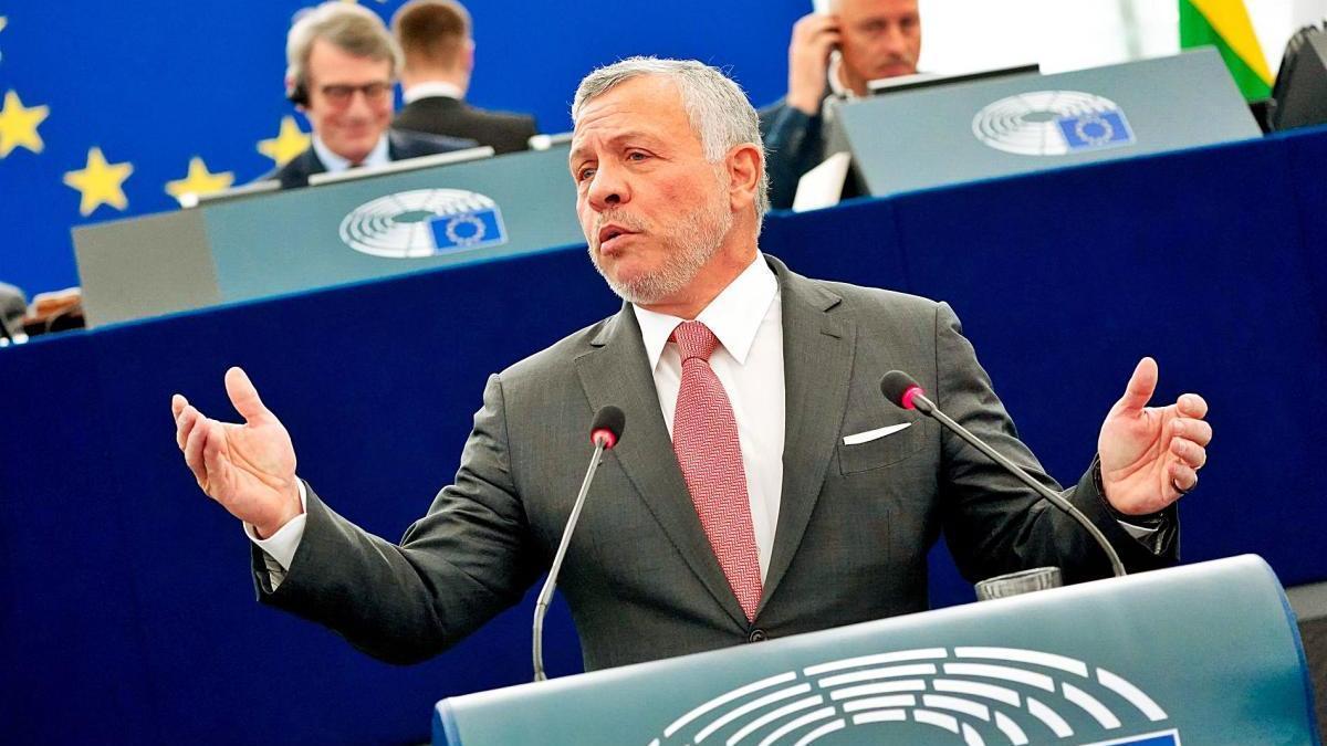 El rei Abdul·là de Jordània fent un discurs al Parlament Europeu en una foto d'arxiu.