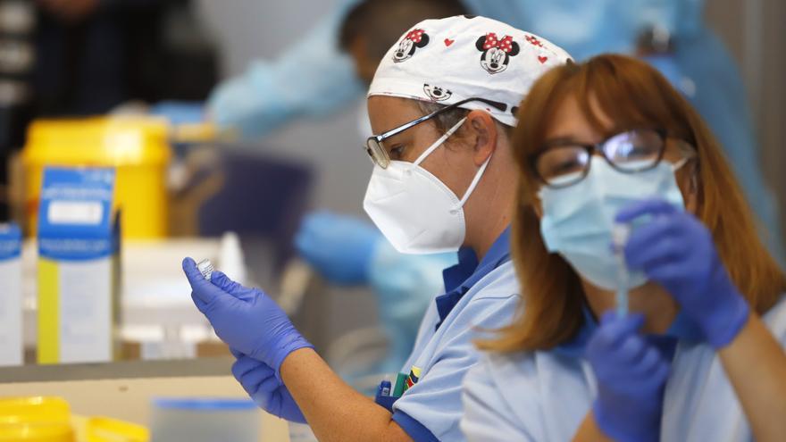 Canarias registra 87 nuevos casos de coronavirus y anota cinco días seguidos sin fallecidos