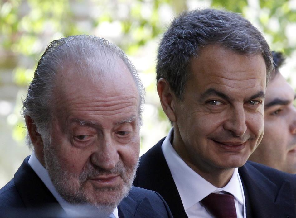 Juan Carlos junto a José Luis Rodríguez Zapatero.