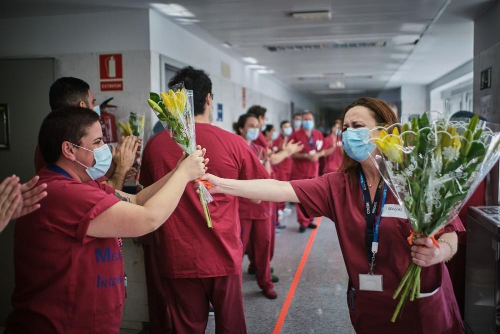Homenaje UCI - Medicina Interna - Hospital La ...