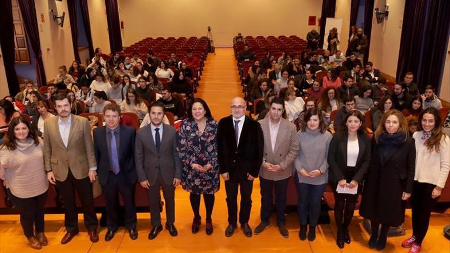 La Diputación y AJE analizan la innovación en el sector sanitario