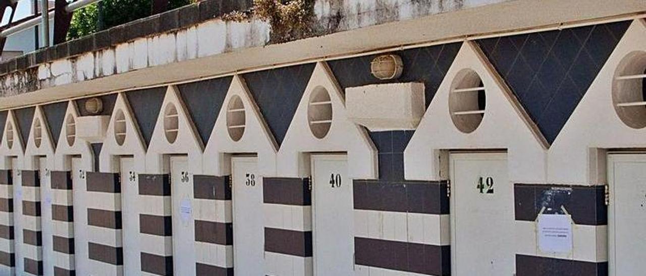 Las casetas de la playa de Luanco.   Ricardo Solís
