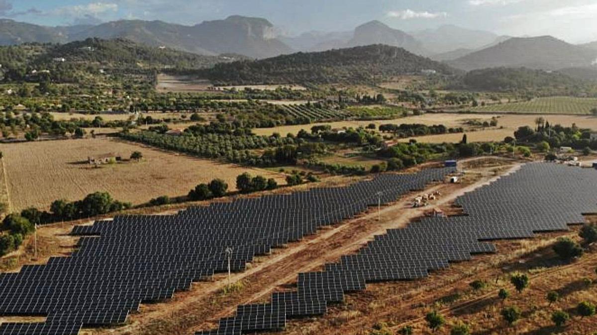 Piden limitar las placas solares a la zona urbana y preservar el entorno rural