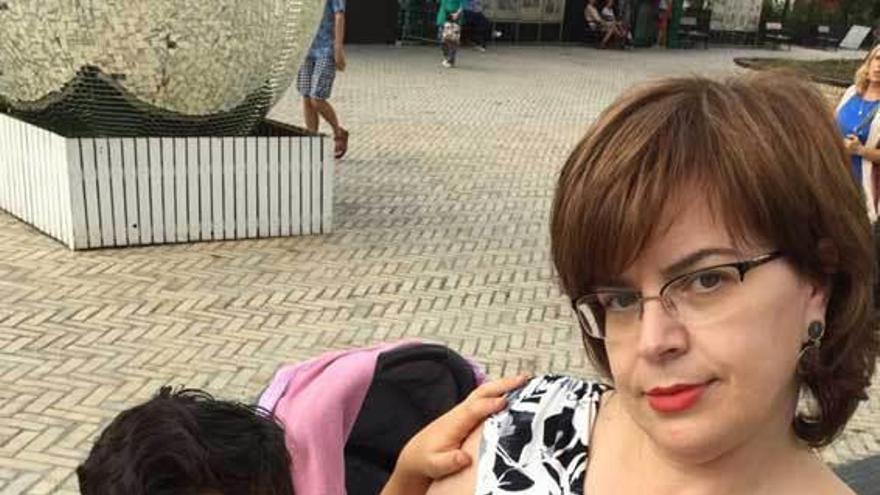"""Una gijonesa, entre las familias """"atrapadas"""" en Kiev con su bebé de maternidad subrogada"""