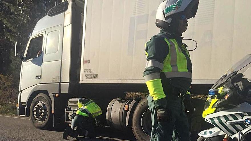 Tráfico pondrá coto a las bajas de coches tras detectar que se rematriculan en el extranjero