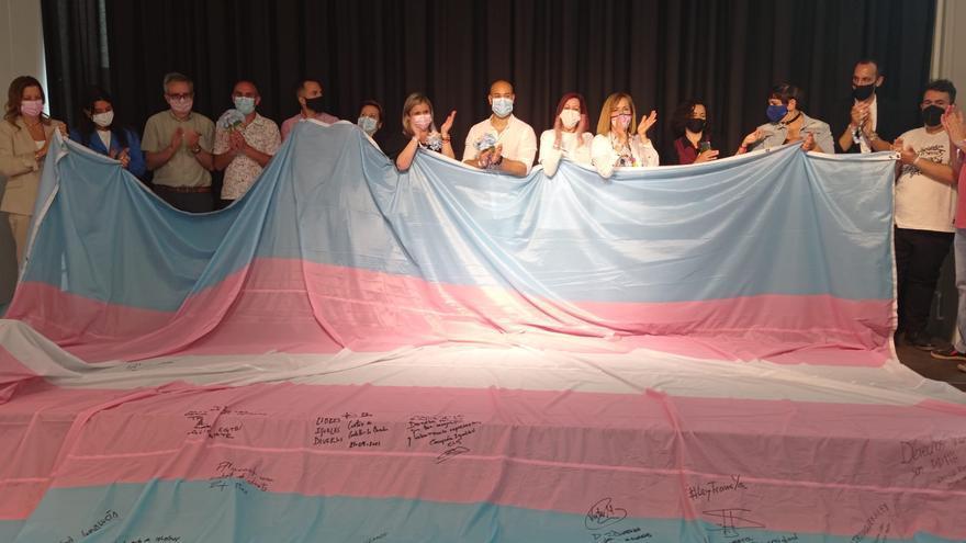 Unidas Podemos acusa a la edil Mari Carmen Sánchez de ocultar un acto en favor de los derechos trans