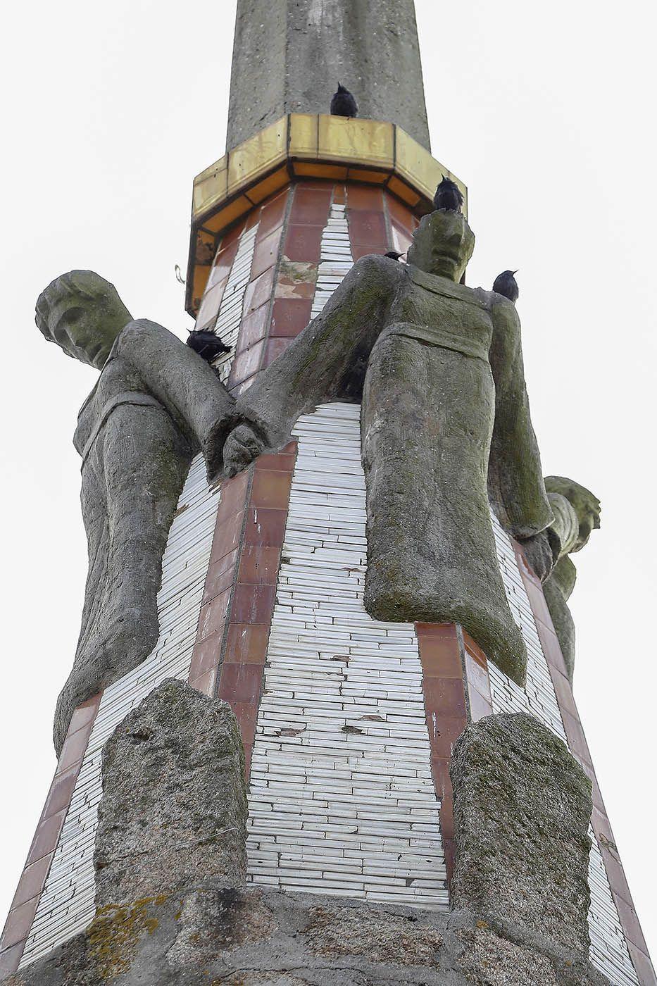 deterioro de la obra arquitectónica del templo votivo del mar (7).jpg