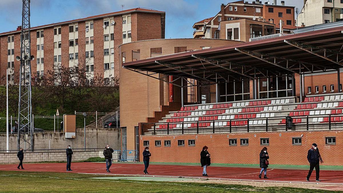La Ciudad Deportiva y la Casa del Deporte, cuya cubierta será remozada.