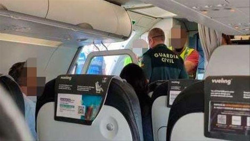 Una pasajera que hablaba por teléfono obliga a un avión a regresar a Palma