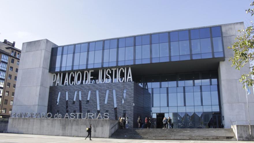 Condenan a trece años y medio de cárcel a un joven por agredir sexualmente a su prima