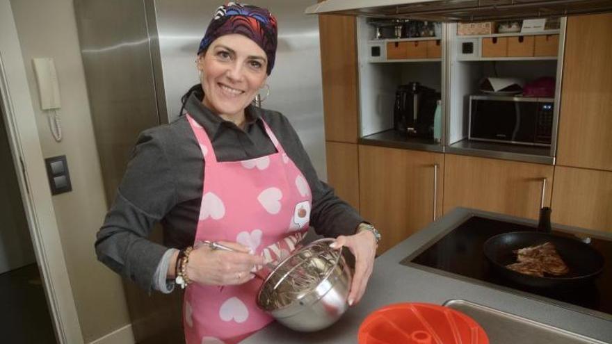 """Laura García, en Pontevedra,con la receta lista en sus redes  """"Cook&mama"""""""