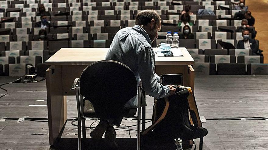"""La oposición """"no se fía"""" de Jácome y rechaza la cuestión de confianza con 15 votos en contra"""