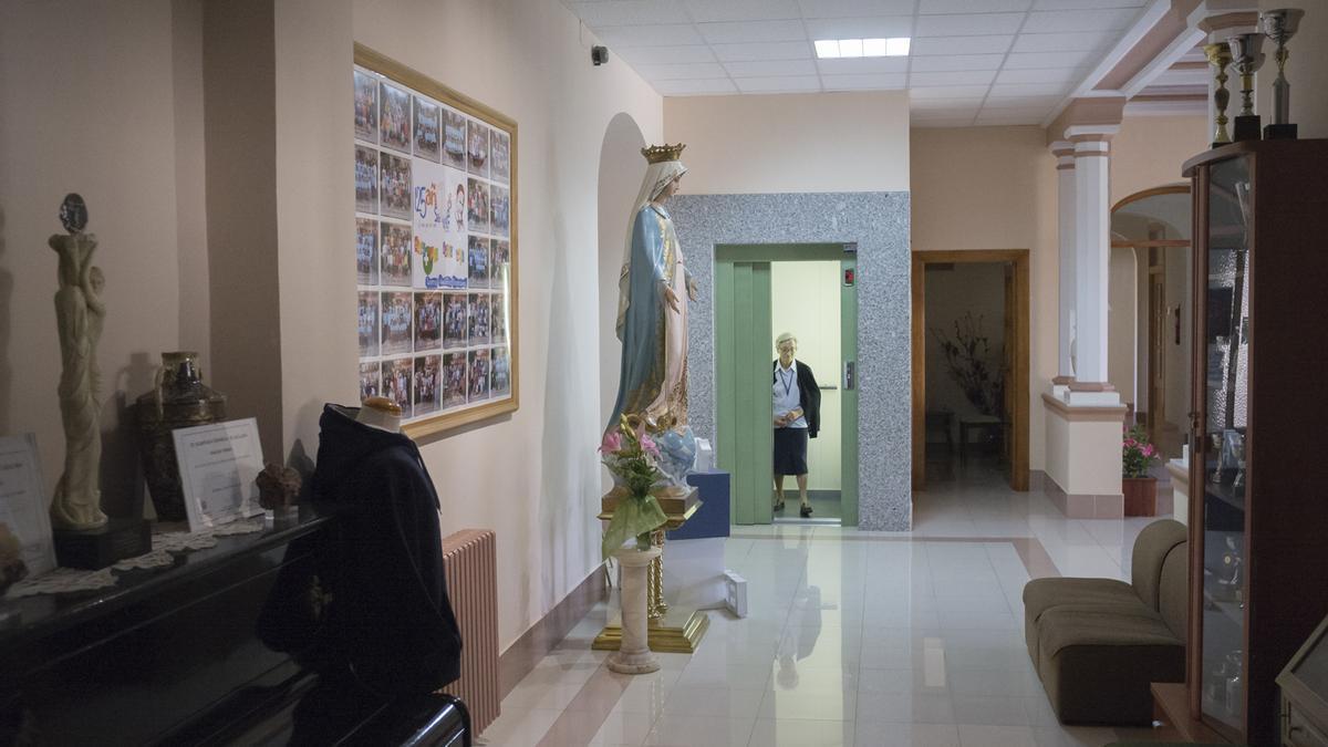 Una imagen del vestíbulo del colegio concertado San Vicente de Paúl.