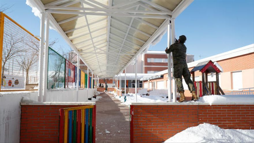Madrid retrasa la vuelta a los colegios porque no están preparados