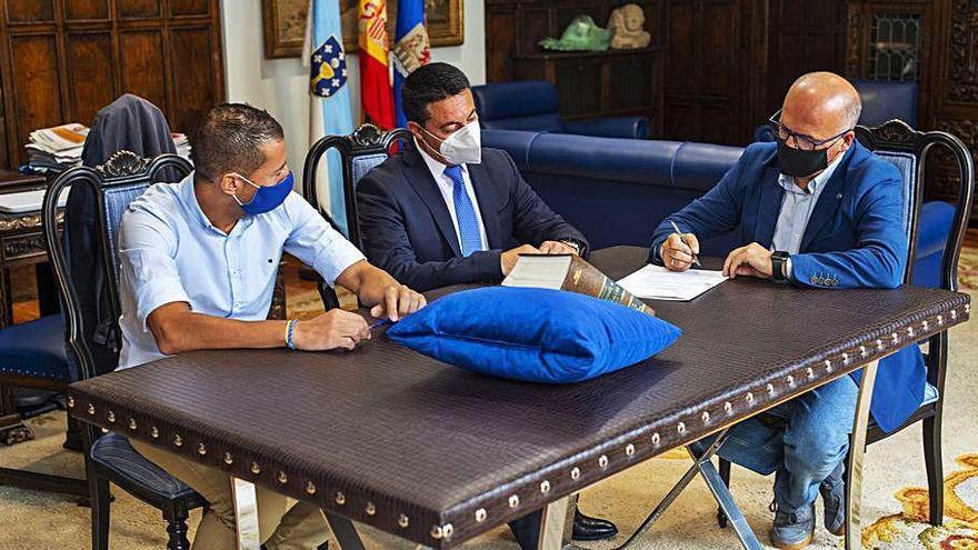 Adamantino Barreira toma posesión como vicesecretario general de la Diputación