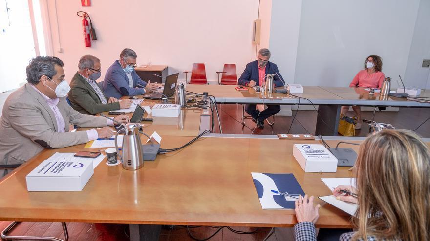 Canarias anuncia medidas para adecuar la enseñanza superior a la demanda social