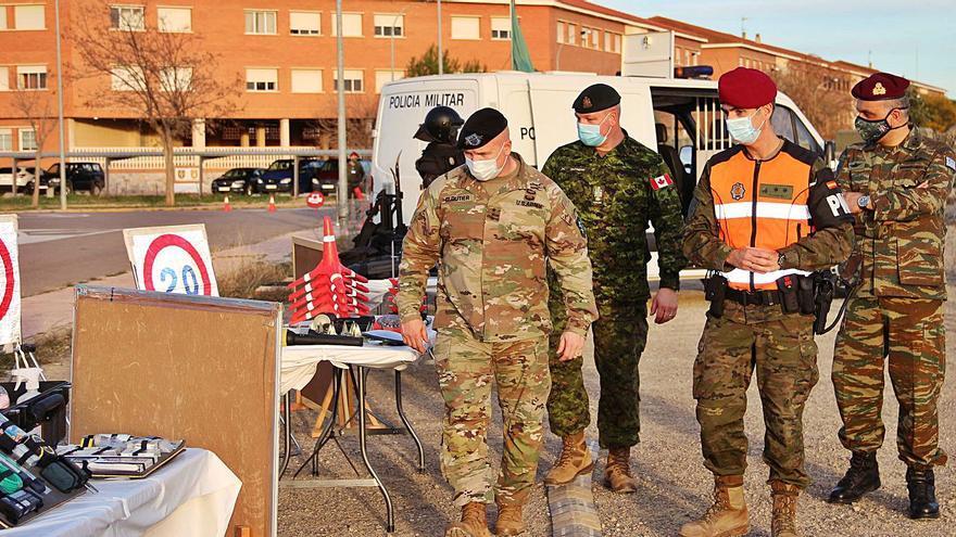 La base de Bétera recibe al jefe del mando aliado de la OTAN