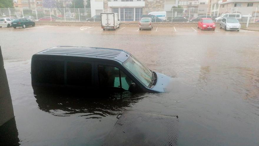 La lluvia causa múltiples incidentes en Castellón tras caer más de 60 litros por metro cuadrado