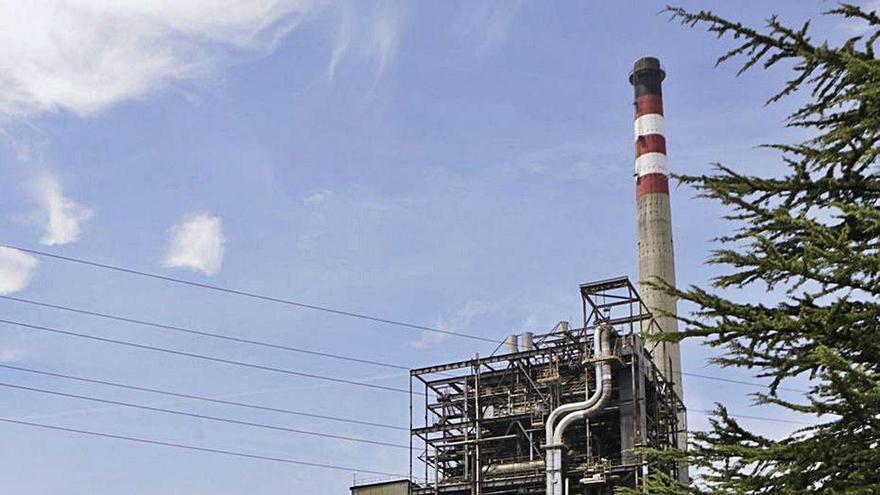 El Ayuntamiento analiza el proyecto de desmantelamiento de la térmica de Lada