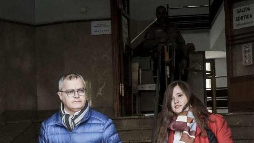 La Policía balear retuvo 24 horas sin control judicial los móviles de dos periodistas