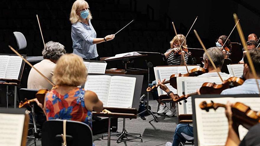 Catherine Larsen-Maguire dirigirá a la Sinfónica en 'La Décima' de Shostakovich